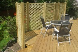 Curved theme wooden deck - Thaxted - 3