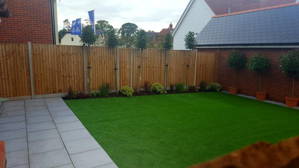 Patio and grass - Little Easton